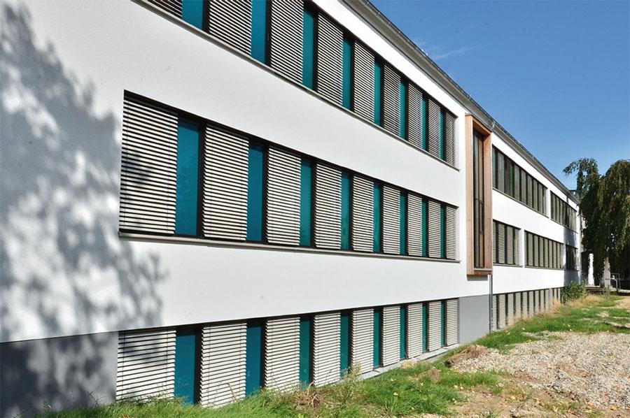 DBB-Detmold, Südost-Fassade