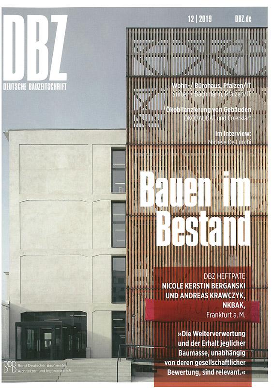 """DBZ Deutsche BauZeitschrift, 67. Jahrgang 2019, """"Plusenergieschule Detmold"""""""