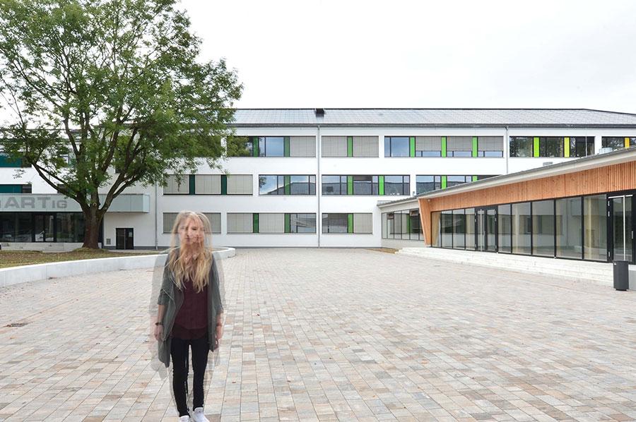 Außenansicht: Das Berufskolleg in Detmold überzeugt nach der Sanierung mit freundlicher Optik. Foto: pape oder semke Architekturbüro